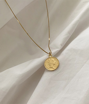 gold coin necklace (silver 92.5)